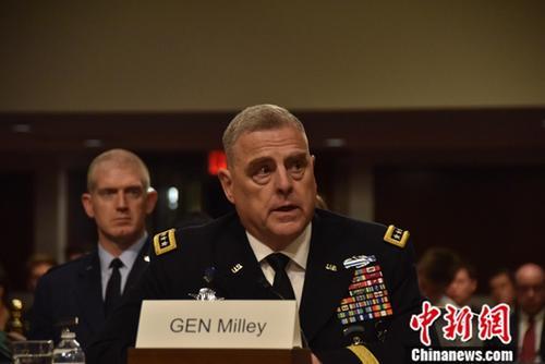 当地时间7月11日,候任美军参谋长联席会议主席马克·米利出席在国会参议院军事委员会举行的提名听证会,就阿富汗、叙利亚、伊朗等问题回答议员提问。中新社记者 沙晗汀 摄