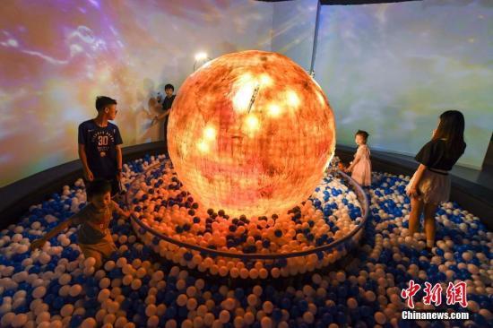 宇宙已加速膨胀60亿年 天文学家称未来或有三种结局