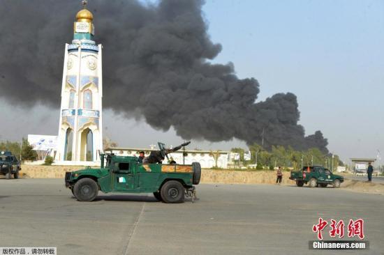 资料图:阿南部坎大哈省警察总部遭汽车炸弹袭击。