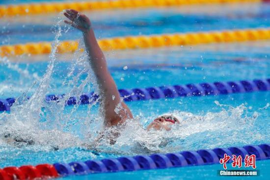 材料图:7月22日,傅园慧正在角逐中。当日,正在韩国光州举办的2019泳世锦赛男子100米俯泳初赛中,止您选脚傅园慧以1分01秒19的成就位列第22位,无缘半赛。 a target='_blank' href='http://www.chinanews.com/'种孤社/a记者 韩海 摄