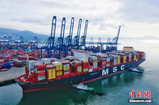 厦门中亚班列首次对接高雄港  开启海铁联运新模式