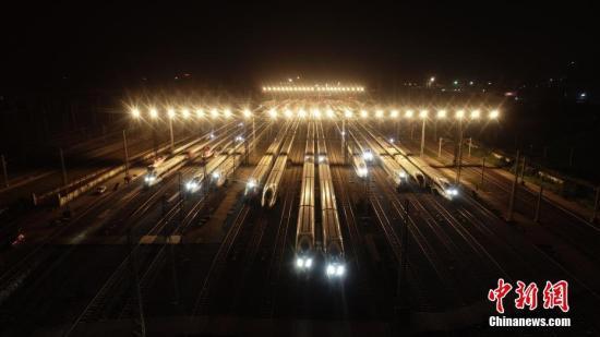 资料图:高铁动车组。中新社发 鲍赣生 摄 图片来源:CNSPHOTO