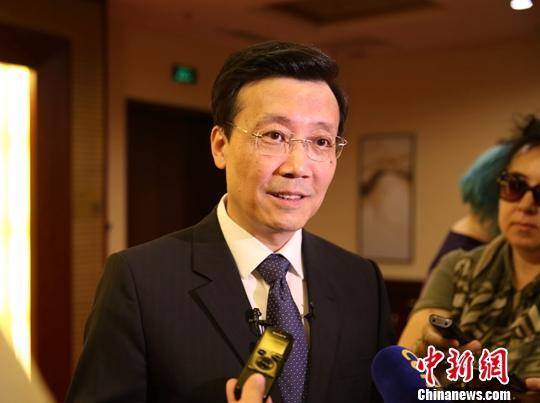 7月29日,中國駐哈薩克斯坦大使張霄在努爾蘇丹就香港局勢、涉疆問題等接受中哈主流媒體聯合采訪。中新社記者 文龍杰 攝