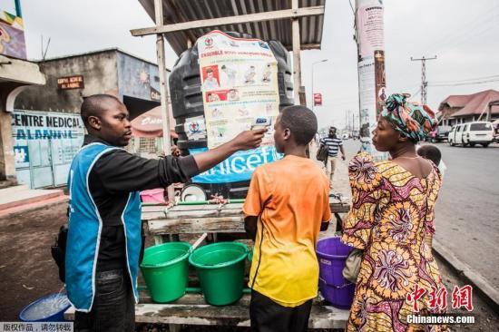 """联合国称""""埃博拉孤儿""""增多 亟需加强援助"""