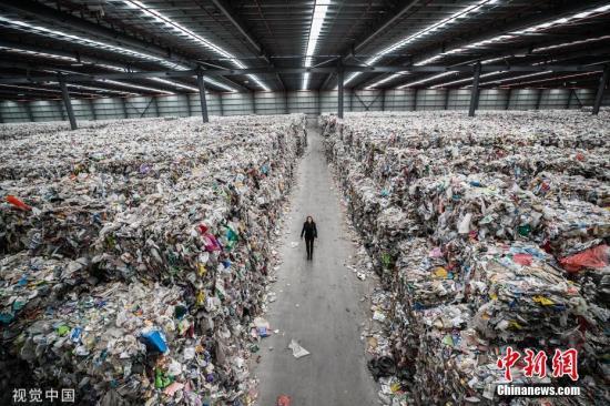 彩票下载送88元彩金澳墨尔本一学校将不设垃圾桶 学生需将垃圾带