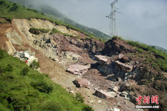四川甘洛县发生山体滑坡 应急管理部指导