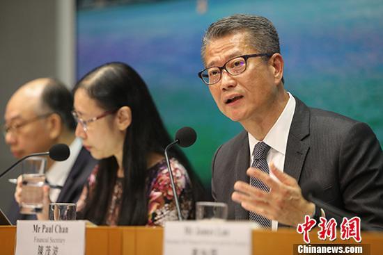 8月15日,香港财政司司长陈茂波公布最新经济情况,同时公布191亿港元支持企业措施。<a target='_blank' href='http://nylzsy.com/'>中新社</a>记者 谢光磊 摄