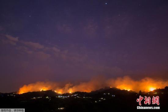 本地工夫2019年8月19日,西班牙年夜减纳利岛,山水连续,水势勇猛。8月17日,本地Valleseco村发作丛林年夜水。便正在几天前,该地域方才发作丛林年夜水。
