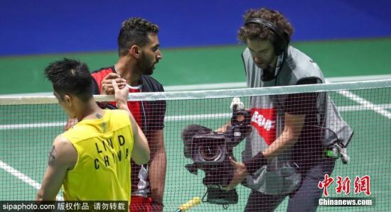 资料图:8月20日,瑞士巴塞尔羽毛球世锦赛,林丹依然没能制造惊喜。他在男单第二轮比赛中总比分1:2不敌印度选手普兰诺伊,创造个人世锦赛最差战绩。图片来源:Sipaphoto