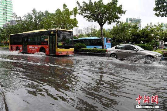 """今年第14号台风""""剑鱼""""再次进入南海 琼粤等地将出现强降雨"""