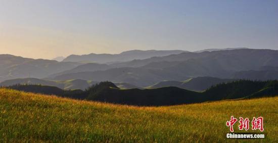 资料图:祁连山美景。武雪峰 摄