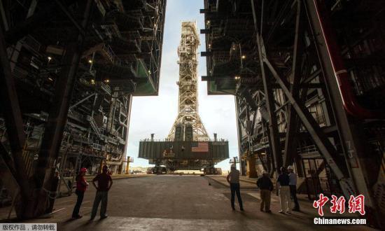 连飞780天再创纪录:美无人驾驶太空战机返回地球