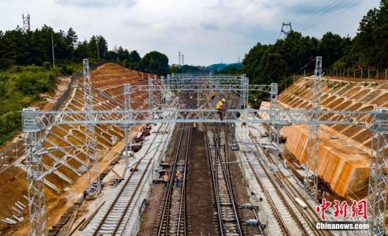 资料图:2019年9月3日,浩吉铁路建设工地。赵春亮 摄