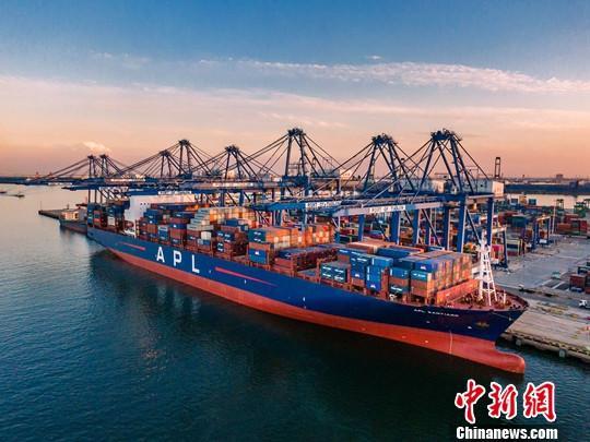 """2019年天津口岸对""""一带一路""""沿线国家贸易值同比增长4%"""