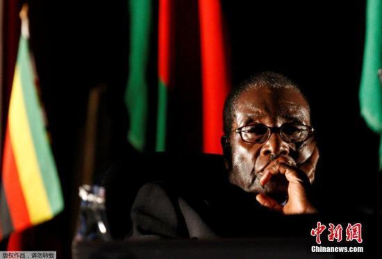 材料图:津巴布韦呛谲统穆减贝。