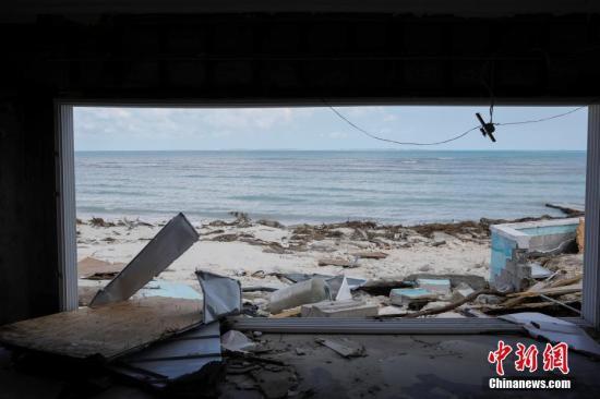"""""""多里安""""于当地时间9月1日下午登陆巴哈马,当时为5级飓风,是该国有史以来最强大的大西洋飓风。"""