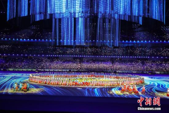 """中国56个民族近万人黄河畔""""大联欢"""""""