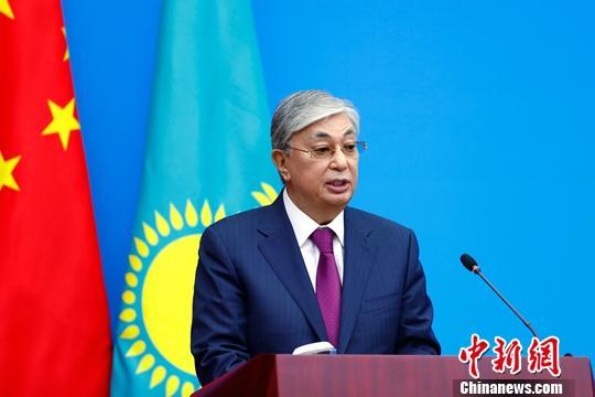 9月11日,哈萨克斯坦共和国总统卡西姆若马尔特・克梅列维奇・托卡耶夫来华国事访问期间,到访中国社会科学院并发表演讲。中新社记者 富田 摄