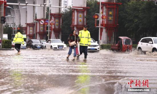 资料图:暴雨天气。中新社记者 马铭言 摄