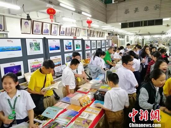 中国出版业携精彩故事井喷出海