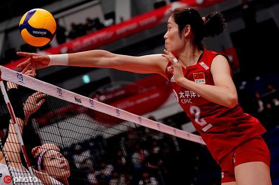 当地时间2019年9月14日,日本横滨,2019女排世界杯第一阶段首轮,中国3-0韩国。图为朱婷在比赛中。图片来源:ICphoto