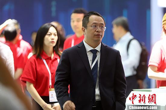 9月16日,2019年国家网络安全宣传周开幕式在天津举行。图为360集团董事长兼CEO周鸿�t亮相2019年网络安全博览会。 中新社记者 张道正 摄