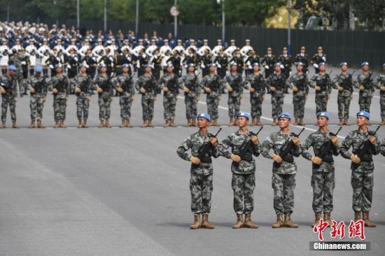 材料图:阅兵锻炼现场。a target='_blank' href='http://www.chinanews.com/'中新社/a记者 崔楠 摄