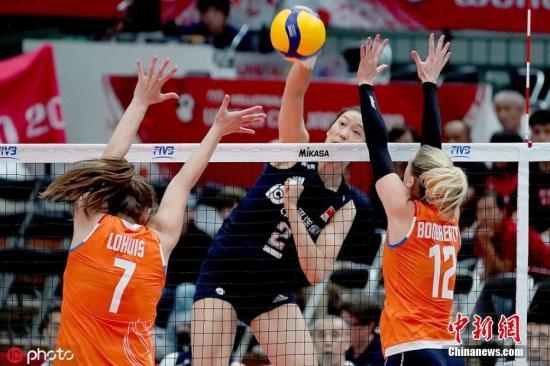 3:1战胜荷兰,中国女排拿下整个世界杯的赛点。资料图为中国女排3:1战胜荷兰女排。 图片来源:ICphoto