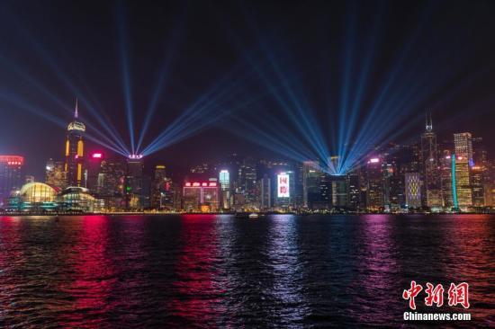 香港维多利亚港最长海滨长廊正式接通开放
