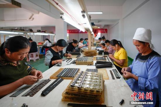 中国已有700多万贫困搬迁人口实现脱贫