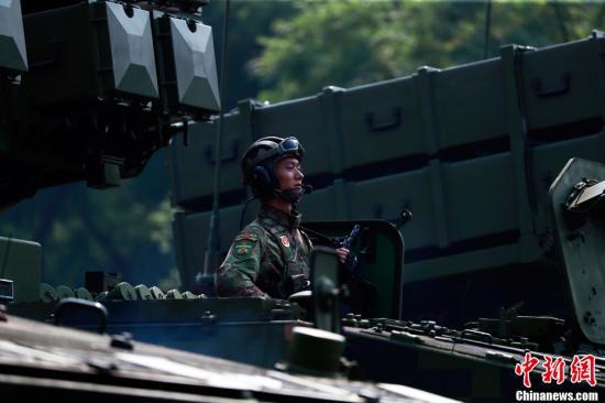 10月1日上午,庆祝中华人民共和国成立70周年大会在北京天安门广场隆重举行。图为反坦克导弹方队接受检阅。<a target='_blank' href='http://www.chinanews.com/'>中新社</a>记者 汤彦俊 摄