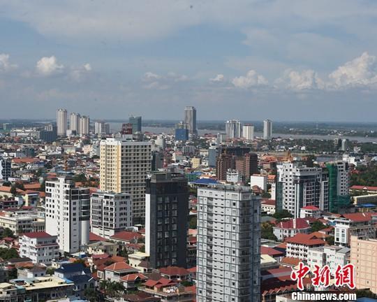 资料图:建设中的柬埔寨金边市区。中新社记者 黄耀辉 摄