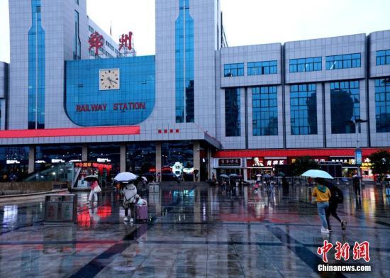 铁路郑州局管内返程客流激增 今日预计发送旅客65.5万人