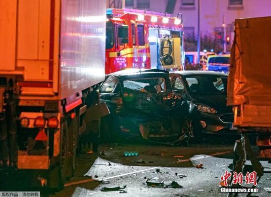 德國強力部門消息人士稱,當地時間10月7日德國政府把黑森州林堡市卡車沖撞多輛轎車事件,定性為恐怖主義活動。