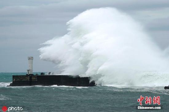 根據臺風行進路線的變化,東日本等地區還有可能在12至13日出現風暴潮。圖片來源:ICphoto