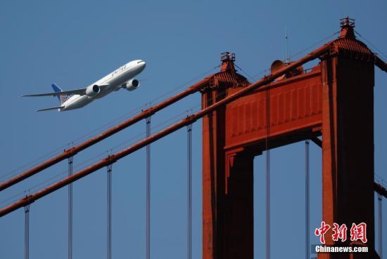 波音777X机身破裂 客机正进行压力测试时