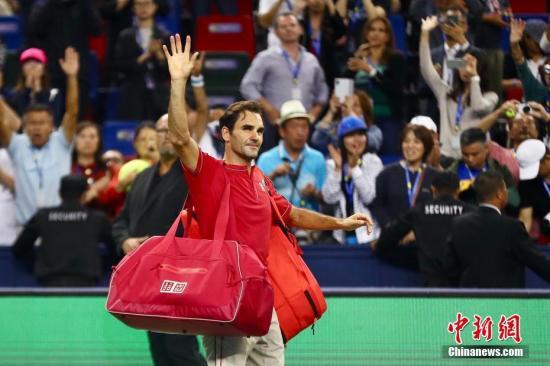 费德勒横扫澳大利亚新星 成为10冠王