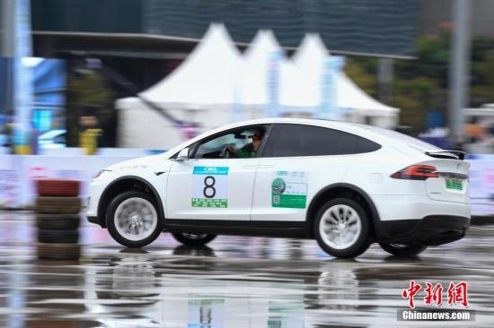 资料图:新能源汽车。杨华峰 摄