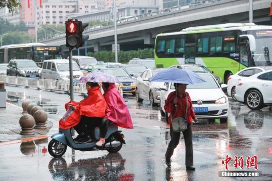 江南华南有持续性强降水 华北黄淮有持续性高温天气图片
