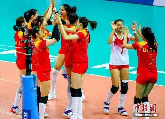 武汉军运会中国八一女排3:0胜美国队取开门红