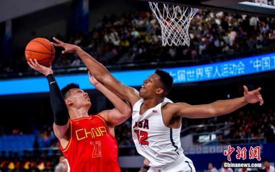 中国八一男篮98:79击败美国队 收获两连胜