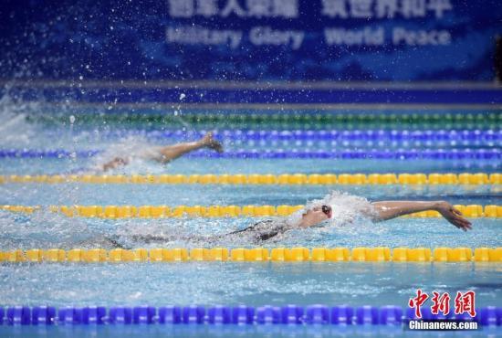 10月21日早间,第七届天下甲士活动会9项泳赛正在湖北省武汉市举办,止您队得到7个项目冠军。图陈净正在男子100米俯泳角逐中。a target='_blank' href='http://www.chinanews.com/'种孤社/a记者 侯宇 摄