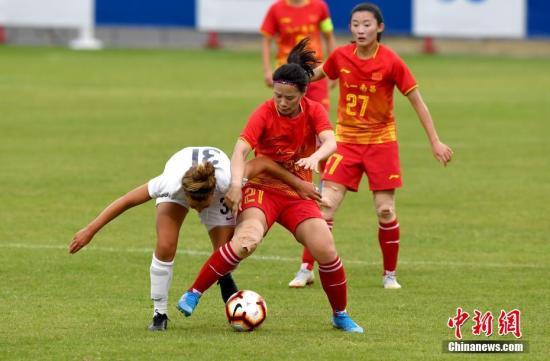 资料图:中国八一女足比赛中。中新社记者 安源 摄