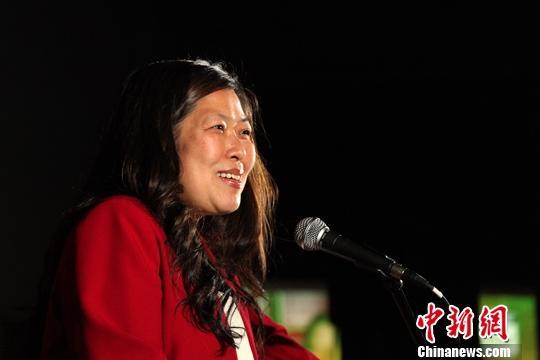 加拿大华人内阁部长伍凤仪自我隔离并接受新冠病毒检测图片