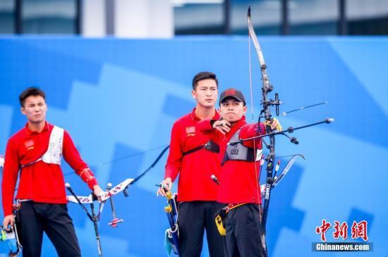 图为中国八一射箭队王琰正在角逐中。a target='_blank' href='http://www.chinanews.com/'中新社/a记者 张畅 摄
