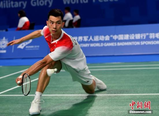图为赵俊鹏在男子单打比赛中。中新社记者 安源 摄