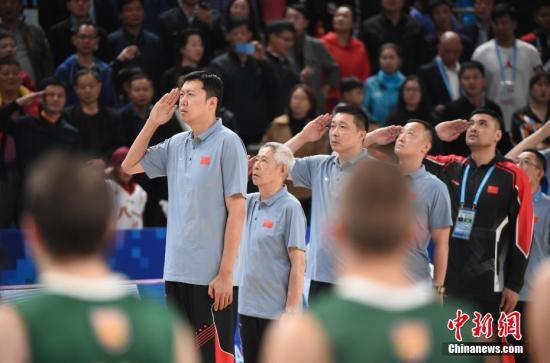 """中国男篮每一段""""黄金年代""""都少不了八一队球员队的身影。资料图。 中新社记者 侯宇 摄"""