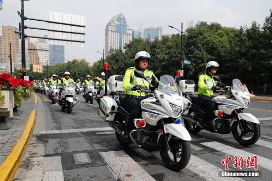 资料图:上海公安铁骑队。殷立勤 摄