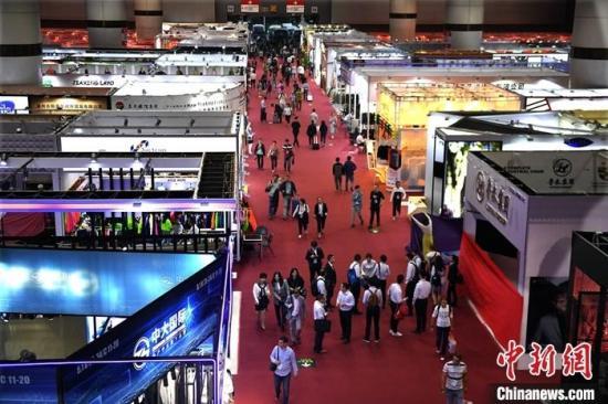 广交会中国纺织企业加速转型 培育外贸新优势