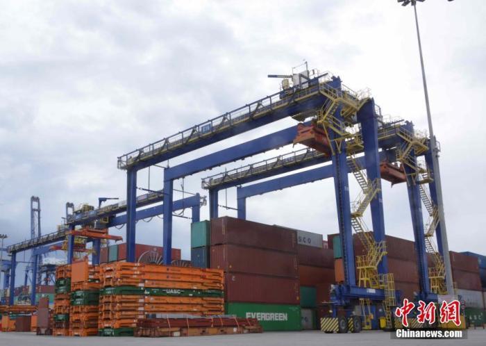资料图:一集装6Gqa码头。中新xn1o记者 李洋 摄